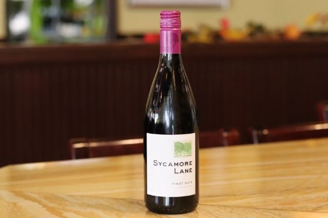 SYCAMORE LANE Pinot Noir